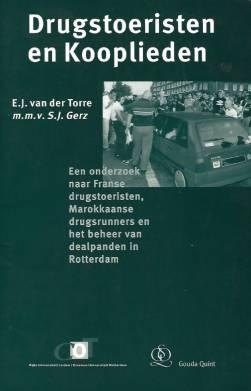 Drugstoeristen en Kooplieden: Een onderzoek naar Franse drugstoeristen, Marokkaanse drugsrunners en het beheer van dealpanden in Rotterdam, Deventer, Kluwer rechtswetenschappen, 1996.